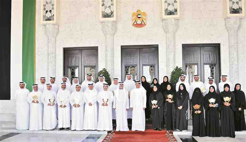 Mansour bin Zayed honors HR Emirates Award winners in the federal government - Second Session 2015